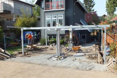 Setting the carport structure
